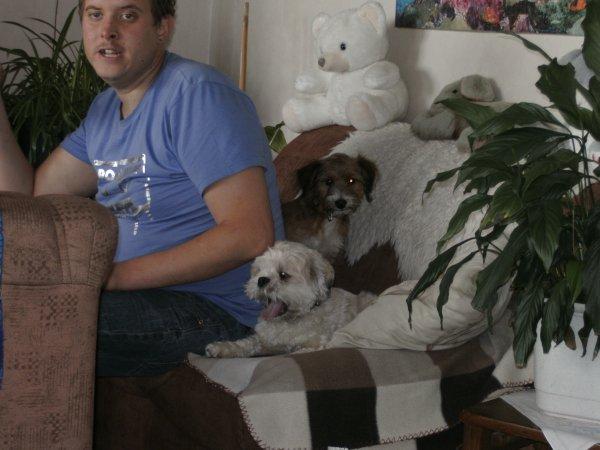 mon frer et les chien chez ma mere