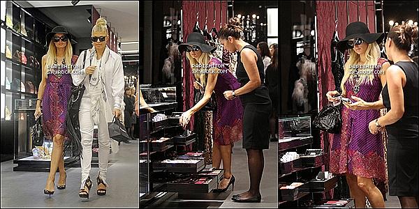 . 25/08/11 : P. à été vue avec sa soeur quittant Los Angeles pour ce rendre à l'aéroport de l'italie.    Le lendemain : (26/08/11) P. faisant les boutiques en compagnie de la chanteuse Fergie (Black Eyed Peas) dans ...... Rome.    Le lendemain : (27/08/11) P. sa mère Cathy et sa soeur Nicky au mariage de Petra Ecclestone au château Odescalchi Rome. .