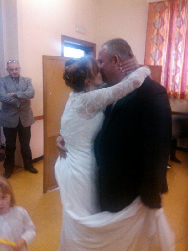 voila ma mere et mon beau pere a leur mariage !!!