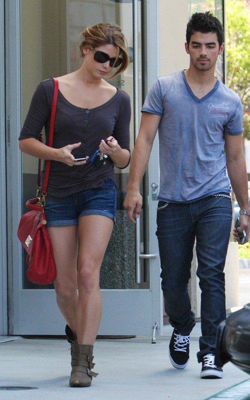Joe et Ashley Break Up !