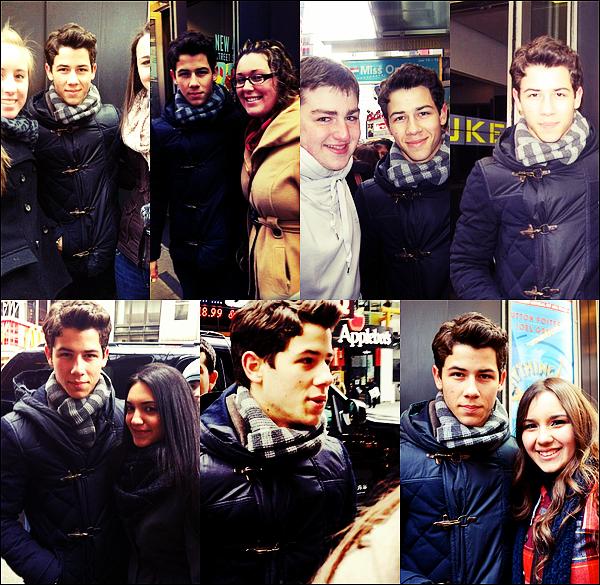 Flash-Back du 15.01.2012 : Joe était au défilé Calvin Klein pour la collection Homme (Milan).
