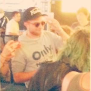 Nouvelles photos de Robert Pattinson à Coachella ( 12 Avril 2014 )