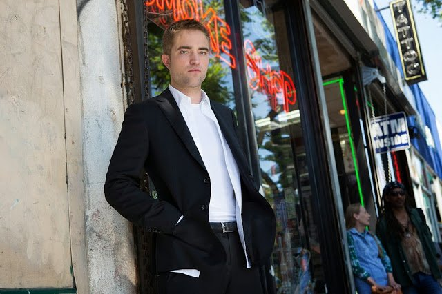 "Nouveau Still de Robert Pattinson dans "" Maps To The Stars """