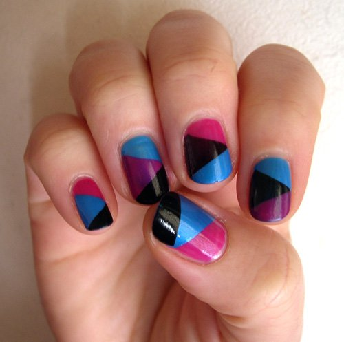 ♦ Rubrique ; Tuto nails triangle
