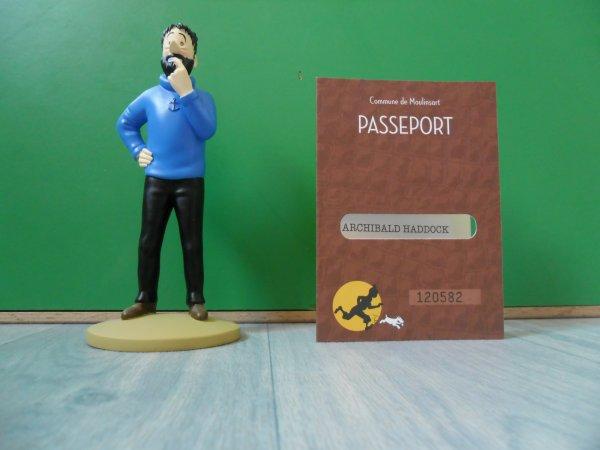 Figurine Tintin officielle Haddock dubitatif avec son passeport d'authenticité et son livret