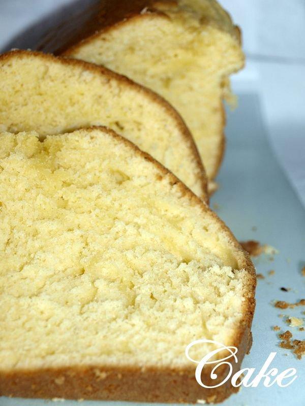 Cake moelleux au fromage blanc et fleur d'oranger