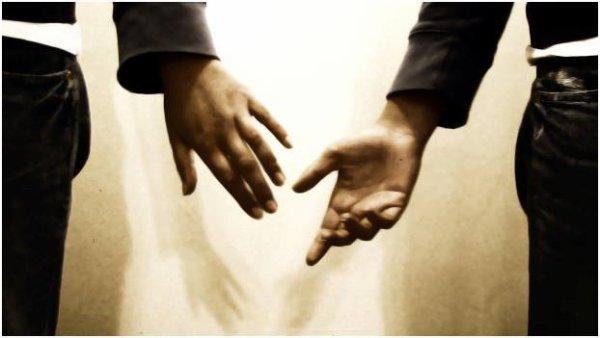 Ti terrò per mano nei giorni in cui ti senti disorientata per andare insieme dove il tempo non esiste...