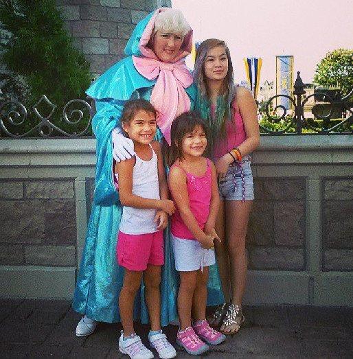 Disney with my girlls whut whut. C: