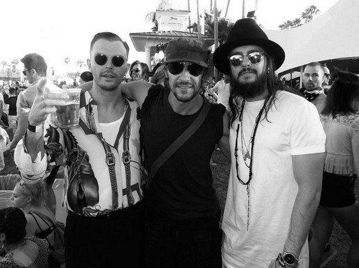 Tom Kaulitz avec Theo Hutchcraft de Hurts au Coachella 2016 - 17.04.2016