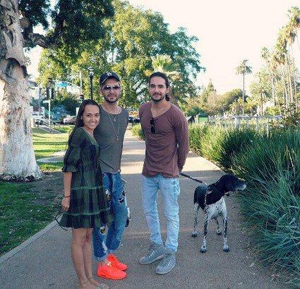 Bill & Tom avec une fan dans un parc à Los Angeles (USA) - 23.09.2016