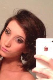Roxanne 18 ans habite dans son appart dans le 45 .... plus info bas vient me parler .....