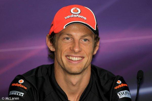 Vendredi à Sepang: McLaren colle les RedBull