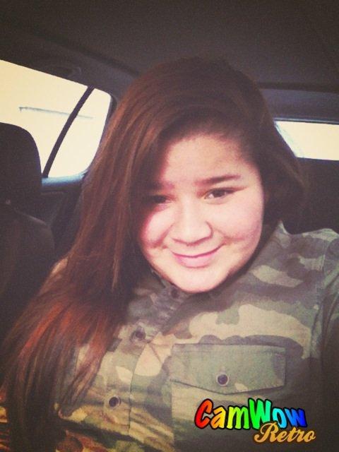 On enlève pas le sourire a la meilleure fille.