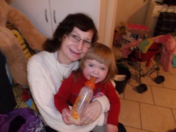 ma petite fille cherie qui a eu 2 ans que j adoreeee plus que tout