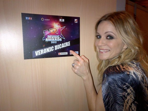 Véronic DiCaire aux NRJ Music Awards 2012