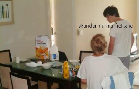 Photos inédites de Skandar (elles dates de août 2011 il me semble) ♥