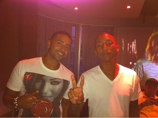 Jay Sean et Pharrell Williams sont mis  à travailler ensemble. Le nouvel album de Jay Sean est actuellement en création, et il a demandé un peu d'aide à son ami, Pharrell.Je vous informerai dès que j'aurai plus d'info sur la date de sortie de la chanson. Mon avis : Je pense que c'est vraiment cool de collaborer avec Pharrell j'attends de découvrir le morceau...