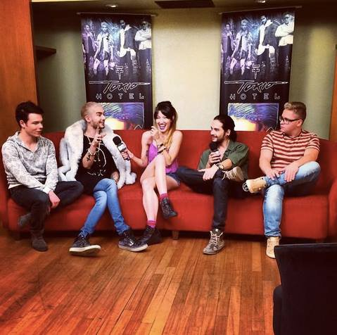 Photo Le groupe en interview avec Mikki Lusardi-Buenos Aires, 13.11.2014