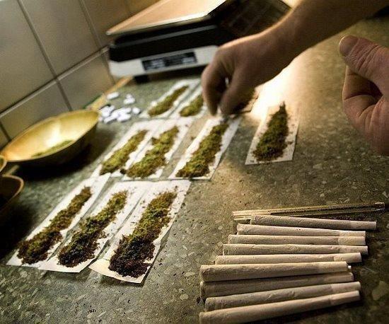 Fuck la loi !!!! Vive la weed :-D