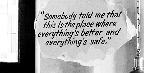 """"""" La souffrance peut occuper une telle place qu'on en oublie le bonheur. Parce qu'on ne se rappelle pas avoir été heureux. Et puis, un jour, on ressent quelque chose d'autre, ça nous fait bizarre, seulement parce qu'on n'a pas l'habitude, et à ce moment précis, on se rend compte qu'on est heureux. """" Lucas"""