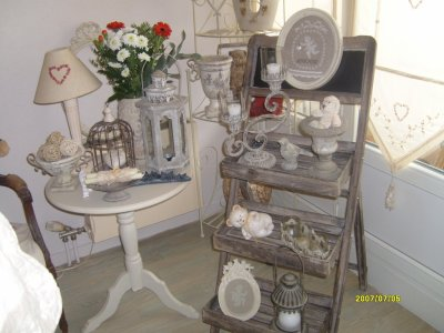 blog de nounoursetpetitscoeurs page 20 decoration brocante patine de meuble broderie. Black Bedroom Furniture Sets. Home Design Ideas