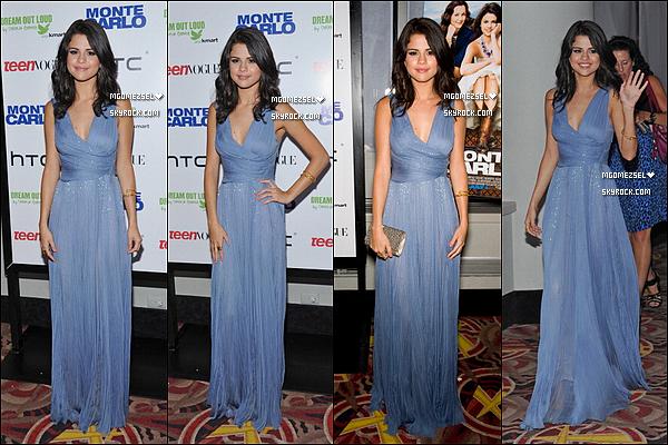 .  23/06/2011 Selena Gomez était a New York City  pour l'avant premiere de son  film « Monte Carlo » Elle était sublim dans cette robe bleu; pour moi c'est un TOP et toi, tu en pense quoi ? TOP/FLOP/BOF ? .