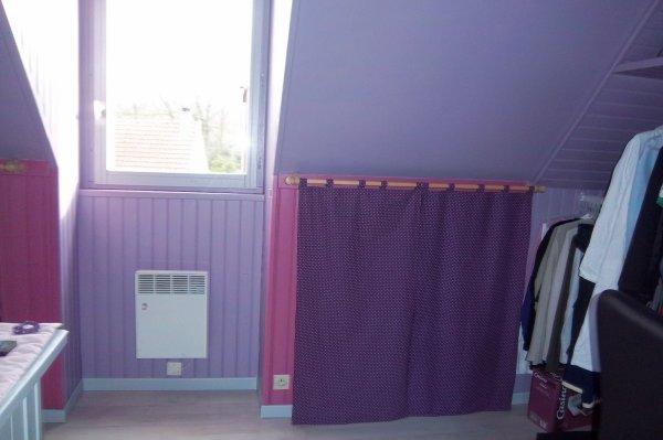 les rideaux dans la chambre de ma fille sous la pente des combles annie. Black Bedroom Furniture Sets. Home Design Ideas