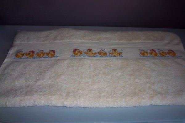 la serviette terminée d'etre brodée
