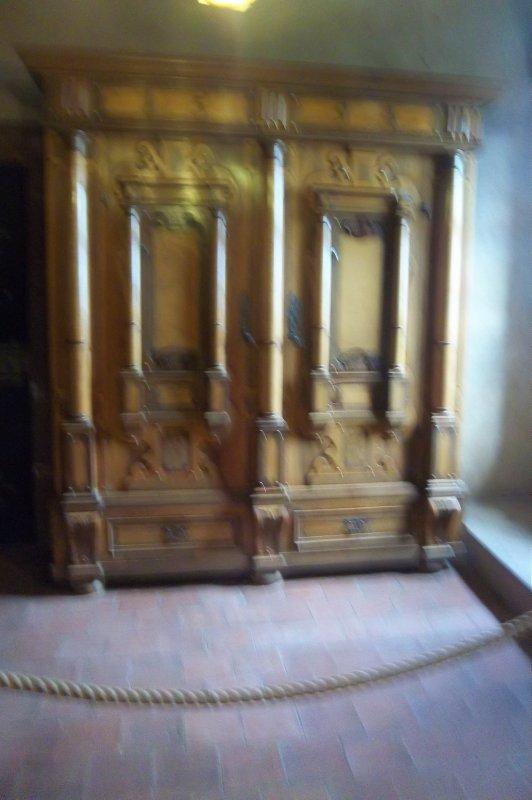 meuble ancien du chateau haut koenigbourg