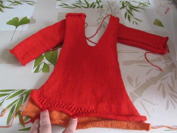 le tricot encours pour ma petite fille il me reste le devant à tricoter
