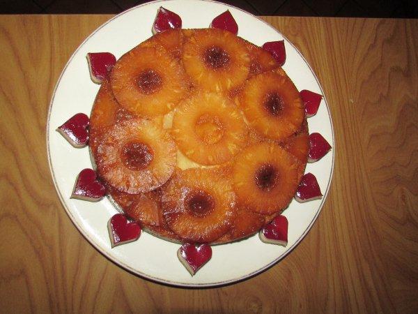gâteau à l'ananas que j'ai réalise pour samedi fêtant ainsi mais 54ans