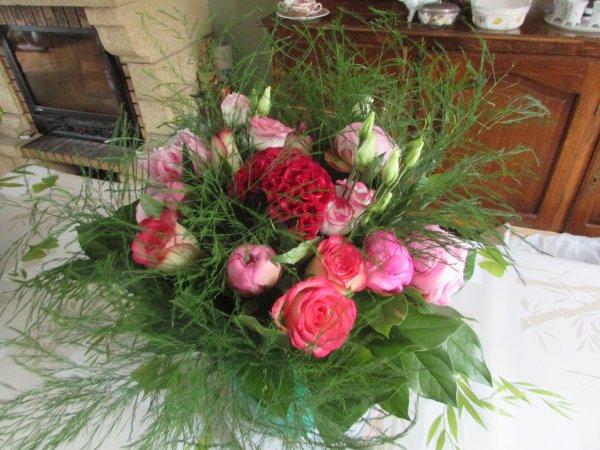 bouquet que j'ai confectionnée avec  de pivoines et roses