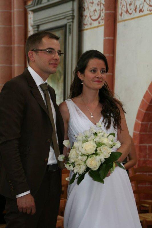 les maries leur de la ceremonie religieuse