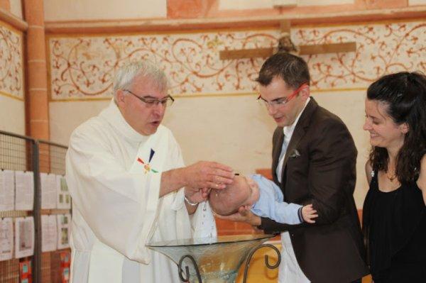 dimanche dernier baptême de mon petit fils benjamin 1 an après leur mariage