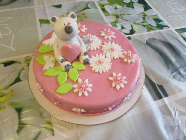 les trois gâteaux que j'ai fait pour les 2 ans de ma petite fille