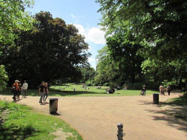 j'ai trouvé tres agréable de me promener dans le parc de la citadelle