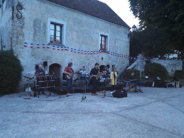 sortie hier soir fête de la musique dans mon village