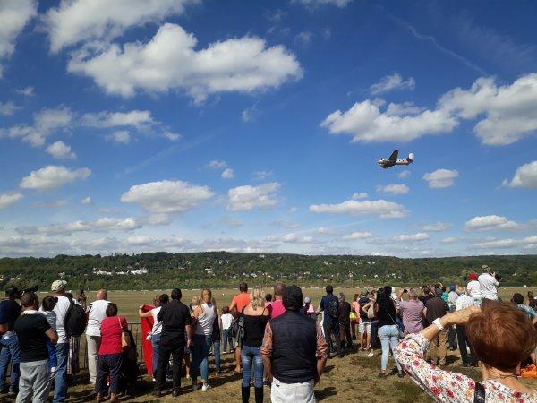 la fête de l'aviation aux Mureaux événement tous les ans  ,