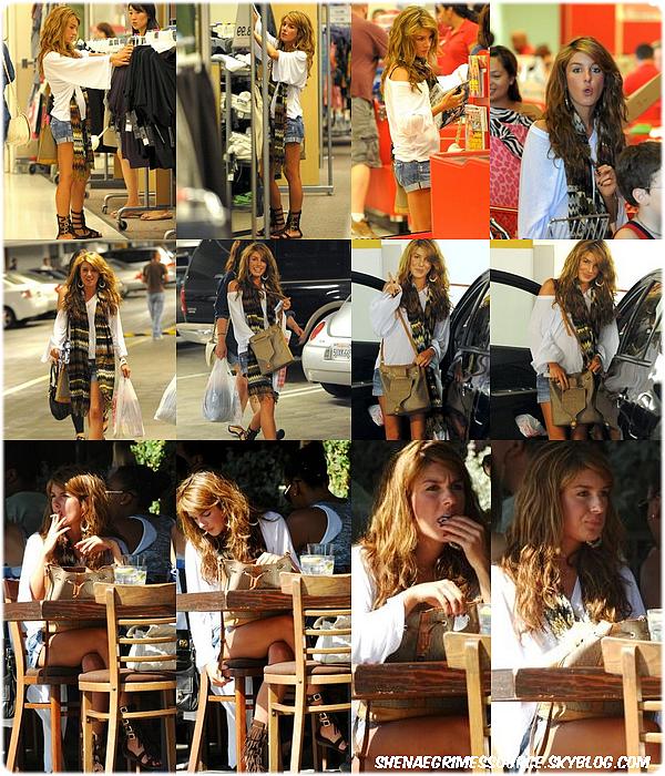 """______  ______•23 Août 2008   • ______Shenae et le cast de 90210 à la """" CW Network's 90210 Premiere Party """"  ______"""