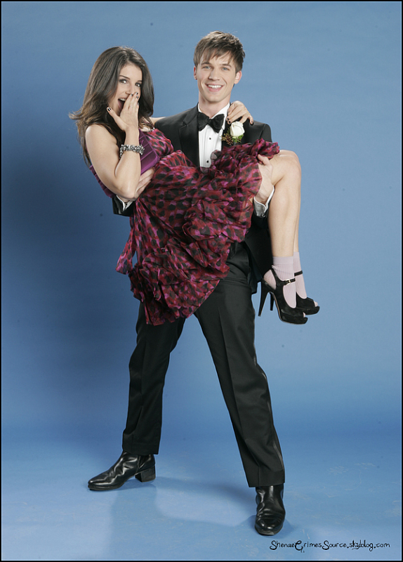 "______  ______• Twitter • ______"" @shenaeSG @MattLanter You make prom look good! ""  ______"
