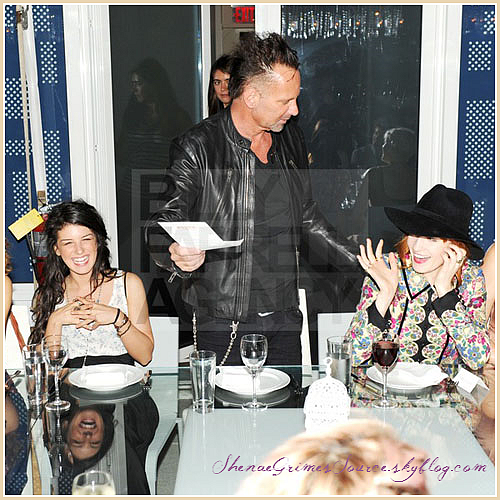 ______  ______• 21 Juin 2011 • ___ Shenae Grimes était présente au dîner organisé par le magazine Nylon pour célébrée la publication du Nylon's Music