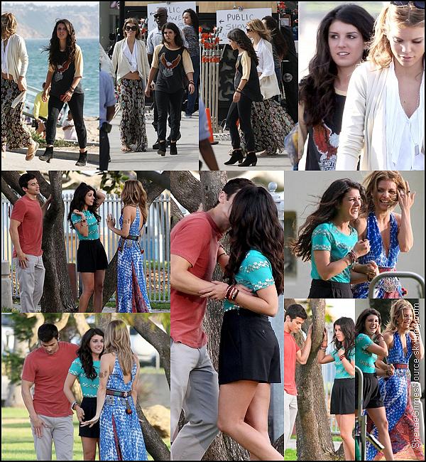 ______  ______• 12 Juillet 2011 • ___  Shenae Grimes était encore sur le tournage de 90210 en compagnie de ses co-stars