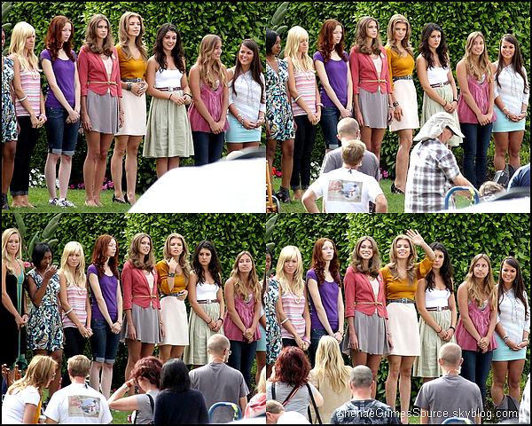 ______  ______• 19 Juillet 2011 • ___Shenae Grimes à l'ouverture d'une nouvelle  boutique de Rebecca Minkoff à Los Angeles