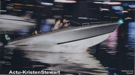 Nouvelles photos de Breaking Dawn .    Celle dans l'eau, Bella nous lance un regard de fooou ! Mdr