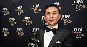 Norio Sasaki et Pep Guardiola --->Entraineur de l'année