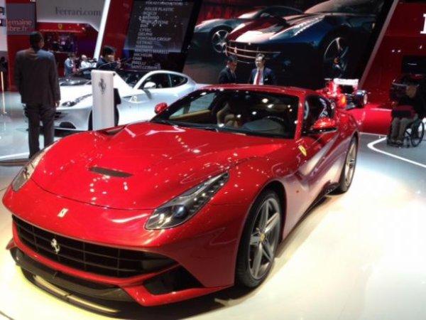Ferrari présente ici sa toute nouvelle F12.