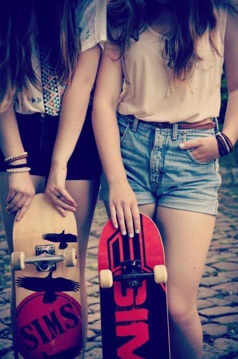 Quand deux amie sont en skate c'est le swag totale <3