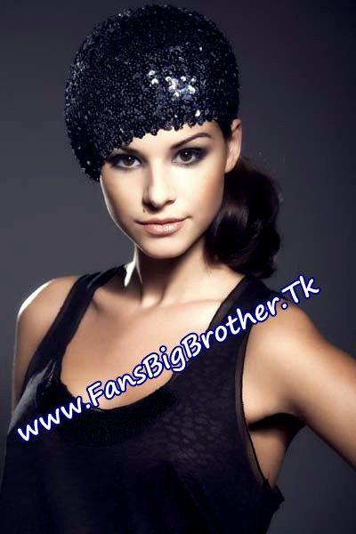 Elisa Çaushi e « BB4 », jeta prej 12 vitesh në Londër dhe përvoja si modele
