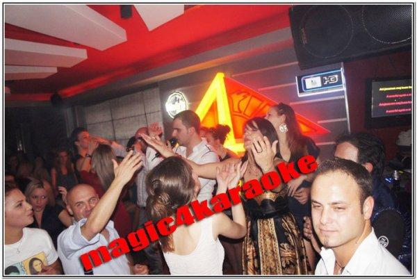 Ish banoret e BBA4 ne karaoke... Kush ju pelqen!