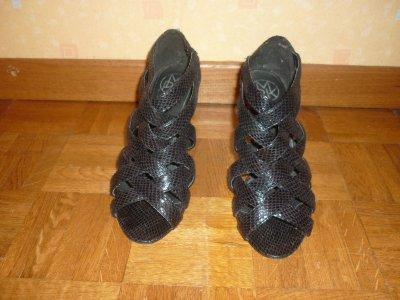 Escarpins noirs  imprimé croco taille 38